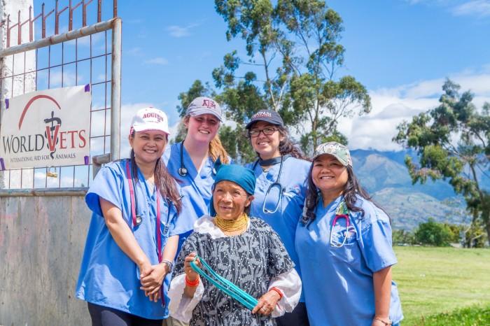 World Vets IVM Program in Ecuador this Summer!
